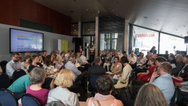 """Im Themenforum 3 der RNE-Jahreskonferenz am 4. Juni wurde über """"Neue Kommunikation: Die Wissenschaftsplattform im Gespräch"""" debattiert. Foto: Benjamin Pritzkuleit, © Rat für Nachhaltige Entwicklung (RNE)"""