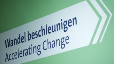 "Internationale SDG-Netzwerkkonferenz ""Wandel beschleunigen/Accelerating Change"" am 5. November in Berlin; © BMU/Janine Schmitz"
