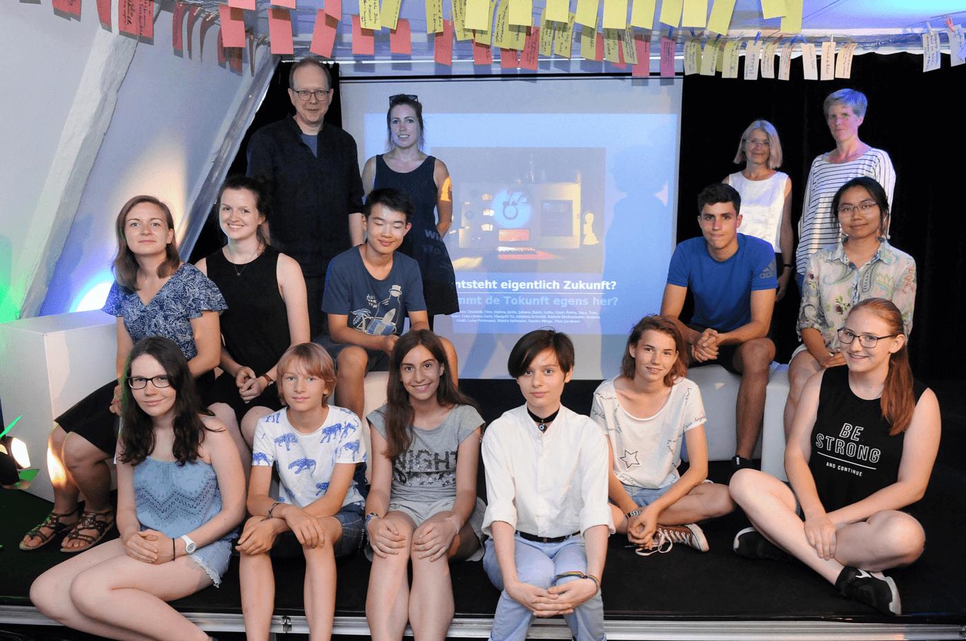 """Im Rahmen des Projekts """"Das weiße Blatt – Weltbilder und Bilderwelten zum Weiterdenken mit Kindern"""" entwickelten Jugendliche Geschichten zur Agenda 2030. © Foto: J. Sauerbrey"""