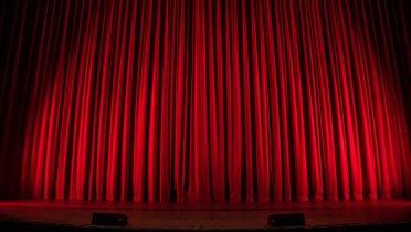 Immer mehr Kinos sparen Energie und denken über nachhaltige Konzepte nach. © Foto: Rob Laughter, Unsplash.com