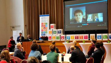 Eine Städtepartnerschaft wird zur Partnerschaft für kommunale Nachhaltigkeit. Liveschaltung zum Gespräch Travnik-Leipzig - Foto: Andreas Birkigt / RENN.mitte © Rat für Nachhaltige Entwicklung