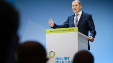 Bundesfinanzminister Olaf Scholz spricht auf der 19. Jahreskonferenz des Rates für Nachhaltige Entwicklung - Foto: André Wagenzik/Andreas Domma © Rat für Nachhaltige Entwicklung (RNE)