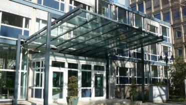 Haupteingang der Bundesanstalt für Finanzdienstleistungsaufsicht (BaFin) in Bonn. Foto: © BaFin