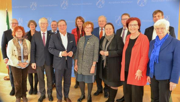 Mitglieder des Rates für Nachhaltige Entwicklung treffen Ministerpräsident Armin Laschet und Umweltministerin Ursula Heinen-Esser am 04.02.2020 in Düsseldorf. Foto: © Land NRW