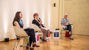 """Teilnehmerinnen und Teilnehmer des Themenforums """"Solidarische Pandemiebewältigung und Finanzierung nachhaltiger Entwicklung"""" auf der 20. Jahreskonferenz des Rates für Nachhaltige Entwicklung am 08.06.2021 (Online-Konferenz). Foto: Ralf Rühmeier © RNE"""