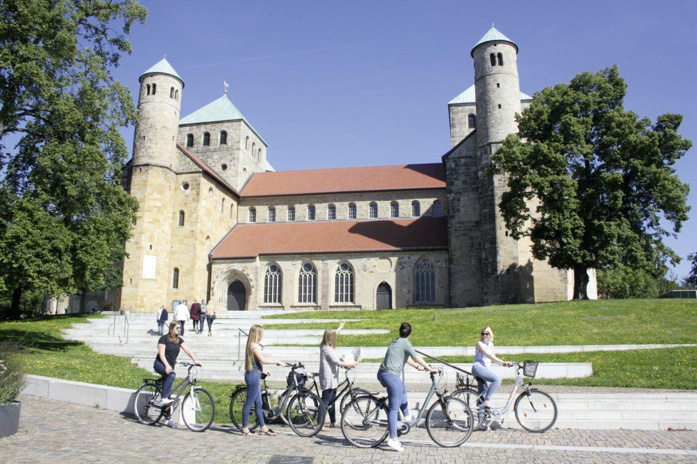 Das Auto zu benutzen ist oft eine Alltagsroutine. Besser geht es mit dem Fahrrad durch Hildesheim. Foto: © Hildesheim Marketing gGmbH
